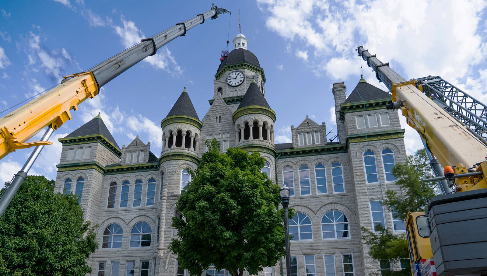 Jasper County Courthouse - Cranes