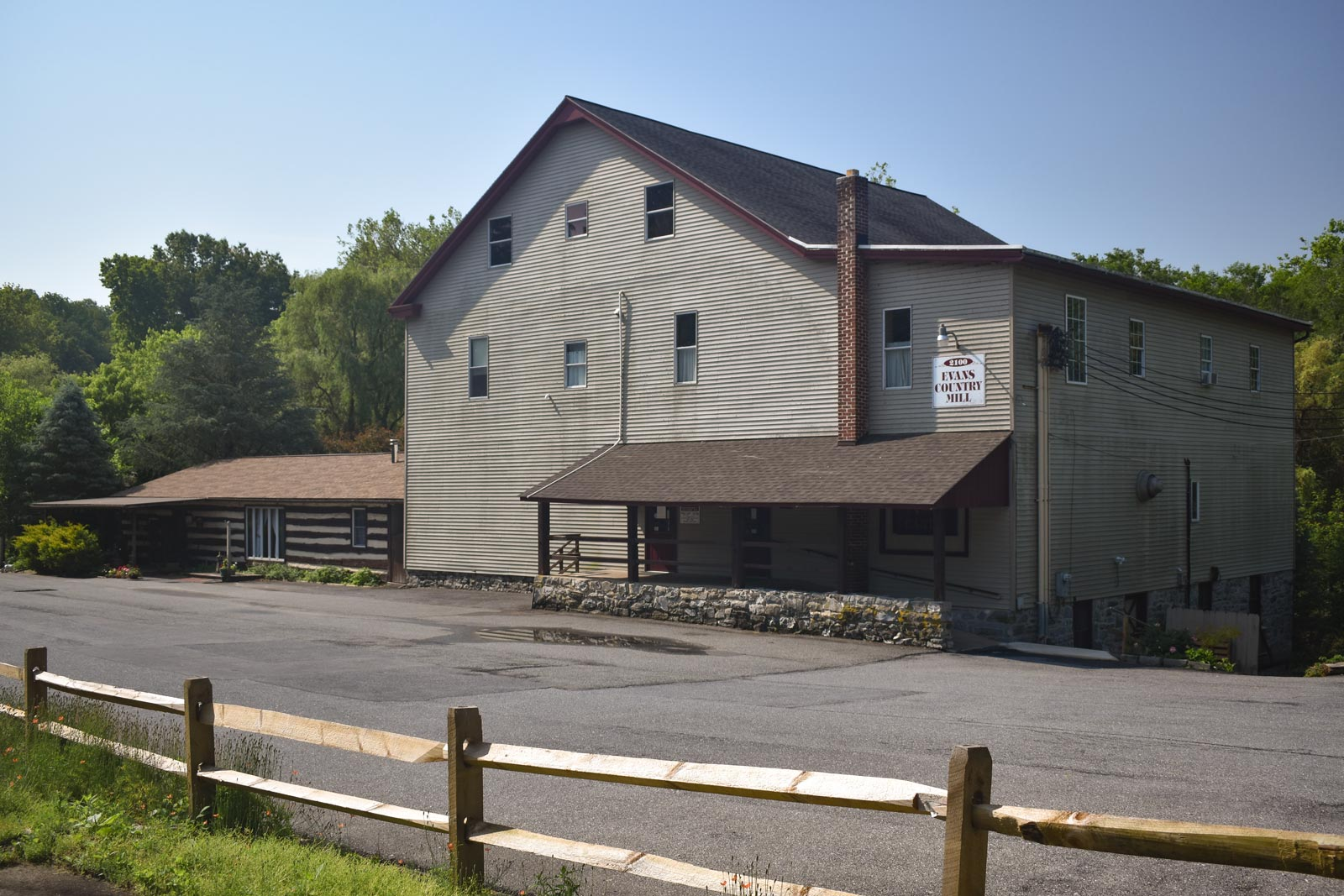 Evans Country Mill - Modern