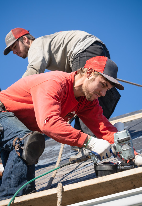 Mayberry Construction and TAMKO - #GivingTuesday - Installing Shingles (thumb)
