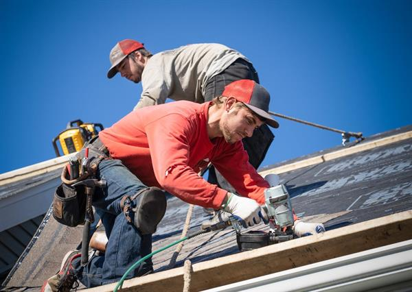 Mayberry Construction and TAMKO - #GivingTuesday - Installing Shingles